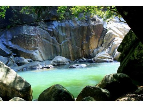 Discover Ba Ho (3 Seen) Wasserfall & Nha Phu Bucht (F/M)