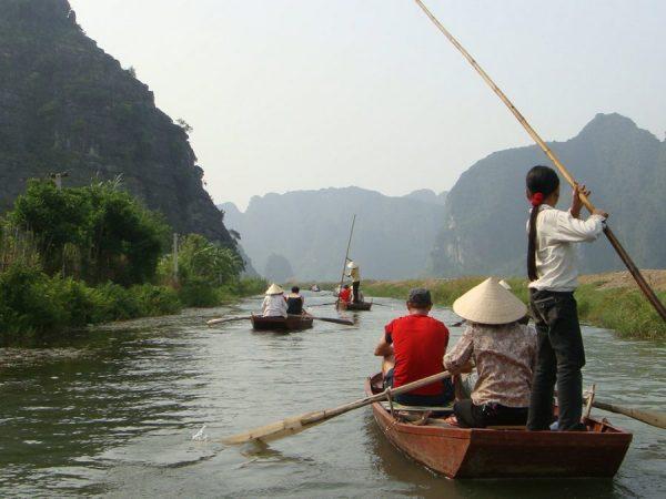 Ninh Binh Vietnam Boot Tour