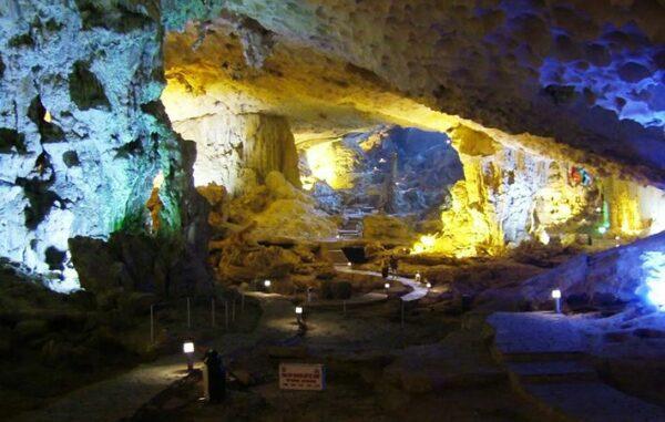 Me Cung Höhle
