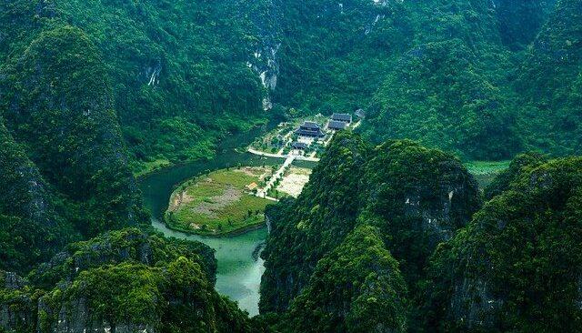 Ninh-Binh-Sehenswürdigkeiten-Vietnam-Tam-Coc-Mua-Höhle-Top-10-Feste-Küche