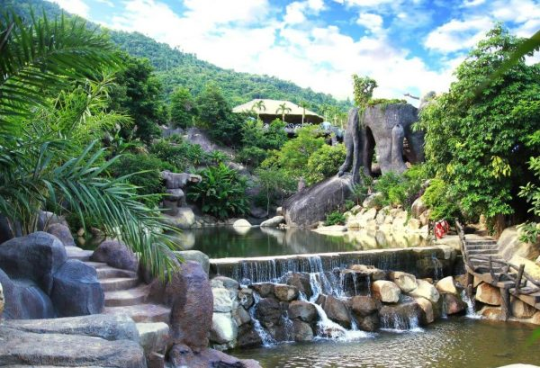 hot-springs-park-da-nang